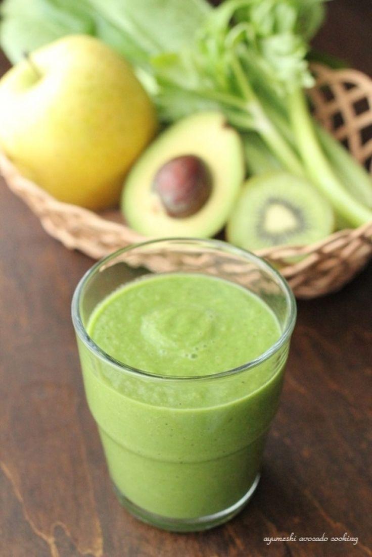 試してみたい!】3色のアボカドスムージーレシピ | レシピサイト ... 小松菜とセロリ、キウイに青りんごと、緑の野菜と果物をベースにアボカドをミックスしたスムージー。 体のサビ予防に効果的なビタミンA・C・Eがたっぷり。