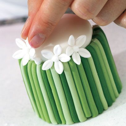 Gorgeous cake tutorial by Peggy