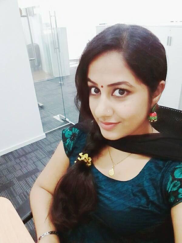 Cute Desi Girls Stills  World Cine Actress At