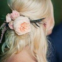 menyasszonyi frizura virágdísszel