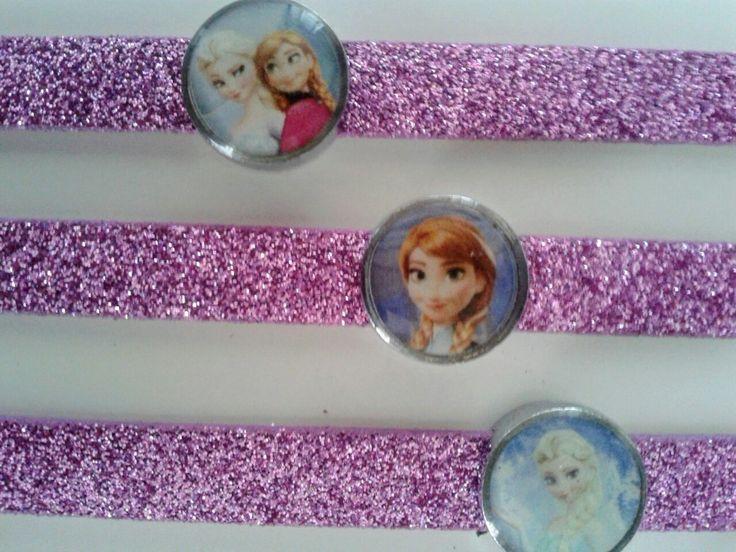 https://stokkolotto.ecwid.com 10 pezzi €7,90 Gadget idee regalo ricordino cosa regalare fine festa compleanno bambina bigiotteria braccialetto principessa anna elsa Frozen