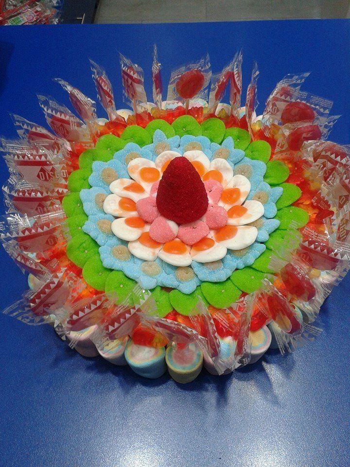Completísima tarta de Duldi Nuevocentro Valencia. ¡Golosinas y piruletas para todos los gustos!
