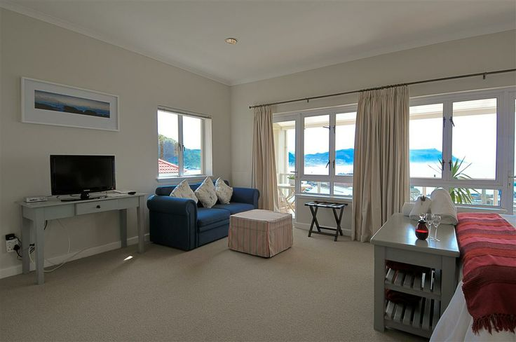 Self catering accommodation, Simon's Town, Cape Town   Bedroom 4   http://www.capepointroute.co.za/moreinfoAccommodation.php?aID=48