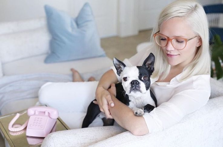Monday afternoon calls some puppy love! Curling up on the couch to read a book with our fav feminine frames from @irisvisualgroup are pale pink and from @chloe. #myirisstyle