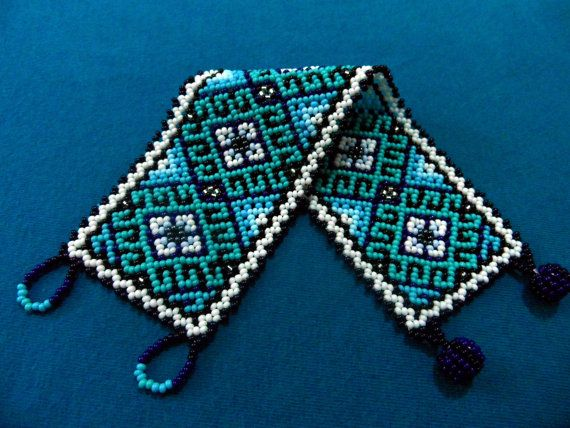 Huichol Bracelet and Hoop Earrings Turquoise Blues por ManoDeGato