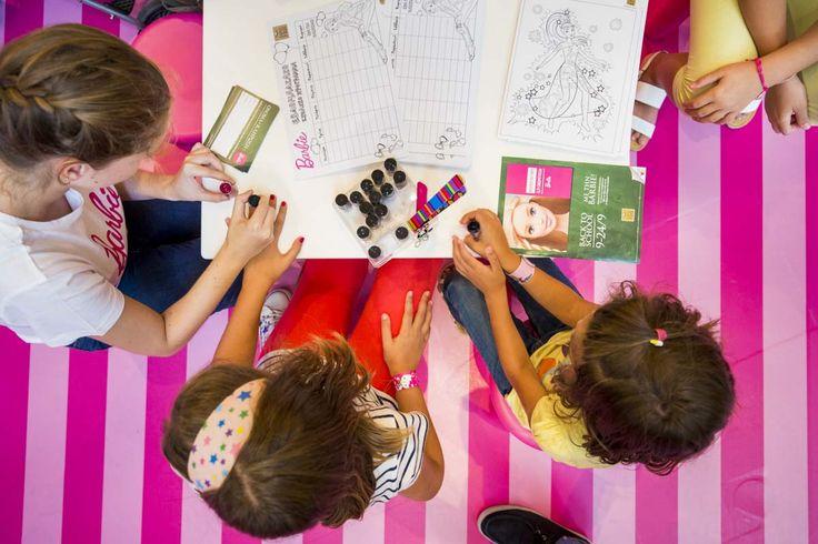 Back to school με Barbie! Ζωγραφίζουμε με τα πιο λαμπερά χρώματα!! #Barbie #Girls  #BackToSchool