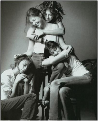 loudoillon:    Jane Birkin, Kate Barry, Lou Doillon & Charlotte Gainsbourg.    Wow, I'd love to be born into this family…