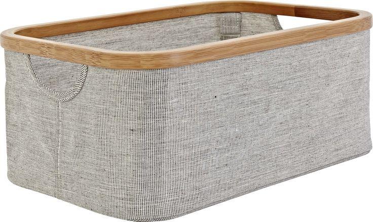 Barnabe oppbevaringsenhet i bambus og vevd polyester. Dimensjoner: L38.6 x B26.8cm. Kr. 180,-