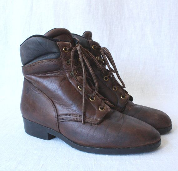 vintage hiking boots 6 / laredo 1990s hiking boots / womens brown leather boots / lace up ankle boots