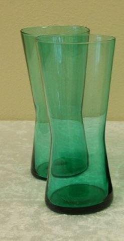 Tommy. Flotte grønne drikkeglass, fantastisk kvalitet, som nye. En klassiker fra Hadeland glassverk, formgitt av Arne Jon Jutrem. 60,- per glass.