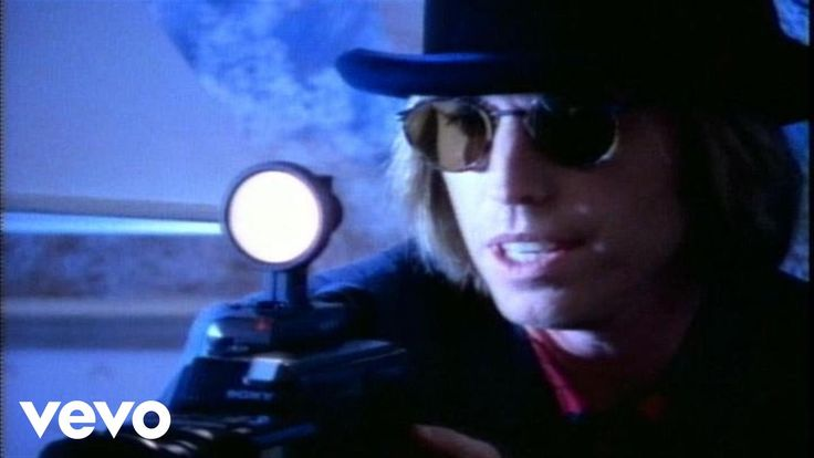 Music video by Tom Petty performing Yer So Bad. (C) 1989 Geffen Records