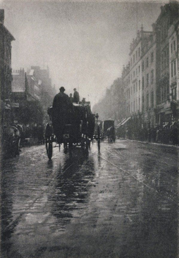 Oxford Street, London, 1897. Can you just imagine Sherlock Holmes is the guy on the carriage? I can. Love 1850-1900 London.