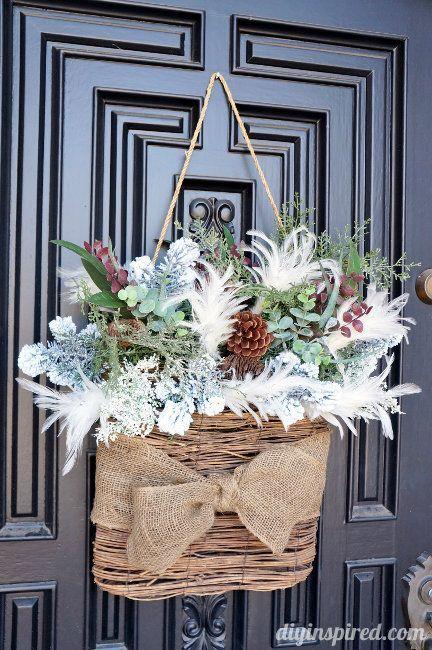 Mooie variatie op de traditionele kerstkrans. #entree #krans #fengshui