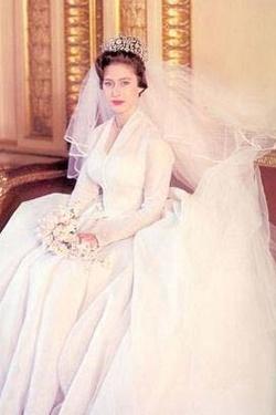 Знаменитые свадебные платья: Принцесса Маргарет.  http://www.domashniy.ru/article/svadba/platya/znamenitye_svadebnye_platya_princessa_margaret.html