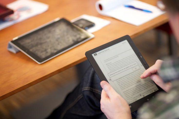 Европейским библиотекам разрешили выдавать на дом электронные книги