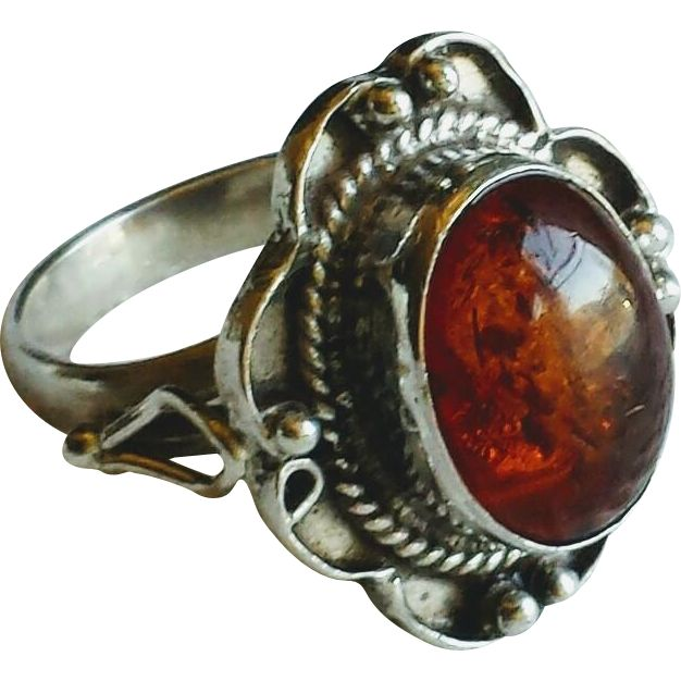 Vintage Amber and Sterling Silver Ring at WhimsicalVintage #rubylane #vintageamber #vintagerings
