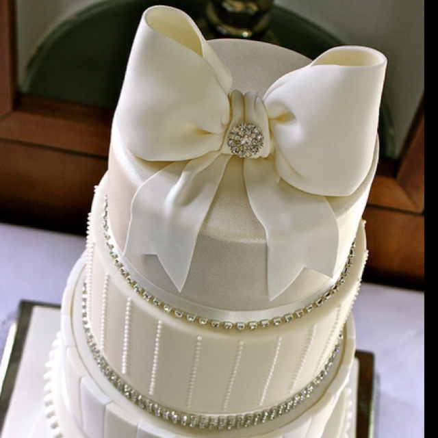 wedding cake with bow on top wedding cake with bow 26835