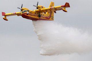 Marrocos cede dois aviões Canadair para combate aos fogos