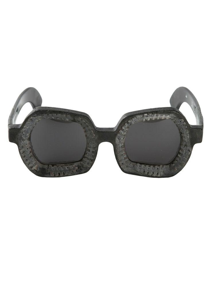 LUXURY LUST: SUN-KISSED SHADES! Kuboraum - Square sunglasses http://www.hiphunters.com/shop/kuboraum-kuboraum-square-sunglasses/5351c034bad020641856a289