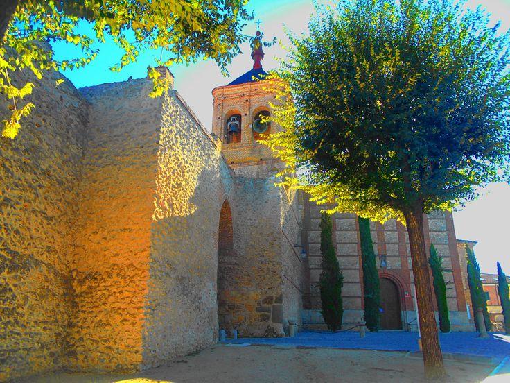 Muralla, Arco e Iglesia de San Miguel