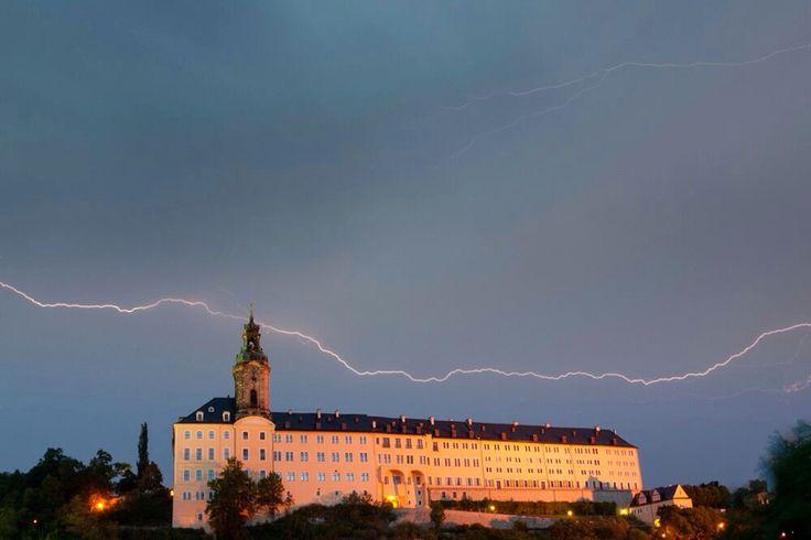 Gewitter über der Heidecksburg in Rudolstadt