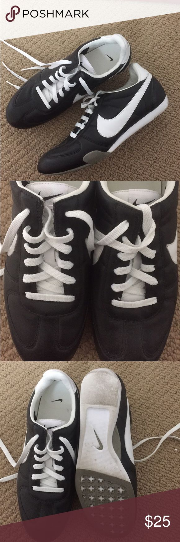 NIKE Shoes, Size 7, Like NEW!! NIKE Shoes, Size 7, Like NEW!! Color: Black/White. Tie up front. All leather. Worn couple times ~ like NEW. Absolutely PERFECT!! Nike Shoes Athletic Shoes