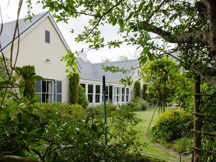 De Vigne House - Welcome to De Vigne House.Relax in spacious luxury at self-catering, serviced De Vigne House in picturesque Greyton. De Vigne House offers two luxurious guest suites, a private study that makes a wonderful ... #weekendgetaways #greyton #overberg #southafrica