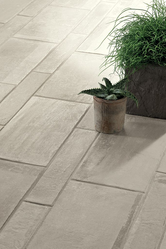 Boulevard by FINE in Off White is available in 8x16 and 3x16 field tile with coordinating 3x16 bullnose.