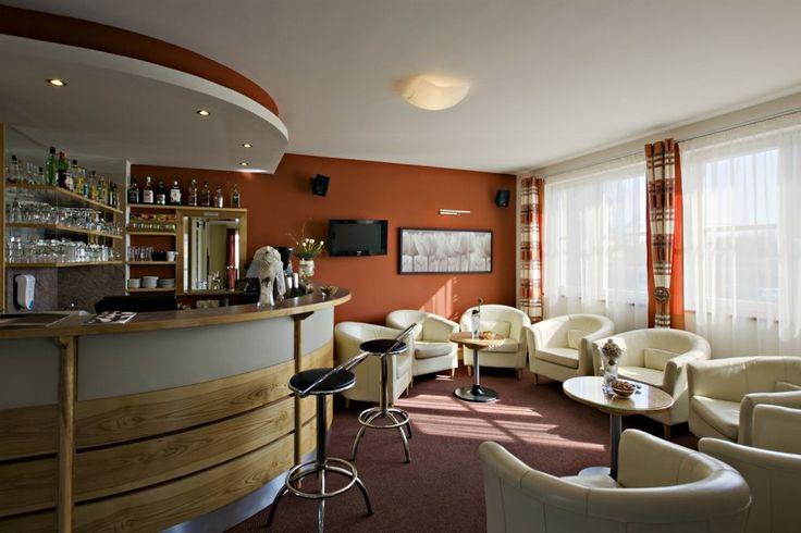 @Hotel_Lajta_Park Address: 9200 Mosonmagyaróvár Vízpart utca 6 www.hotellajtapark.hu info@hotellajtapark.hu