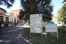 E' la casa per anziani Sacra Famiglia di Cesano Boscone, alla periferia di Milano, la struttura dove Silvio Berlusconi dovrà scontare i servizi sociali