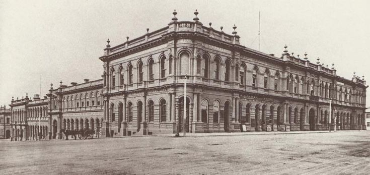 The General Market later known as The Western Market from 1842, demolished in 1961. The market took up the entire block surrounded by Collins Street, Market Street, Flinders Lane and William Street. http://www.walkingmelbourne.com/forum/viewtopic.php?t=401