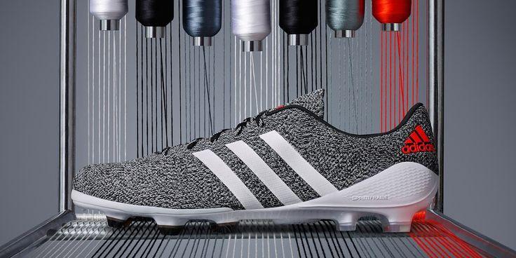 adidas Primeknit. Der erste echte gestrickte Fußballschuh. Jetzt erhältlich in schwarz und weiß! #primeknit