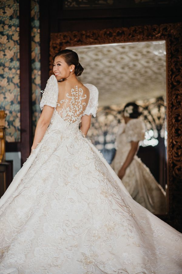 e3585b02bf You Will Fall in Love with This Regal Filipiniana Wedding in Bataan ...