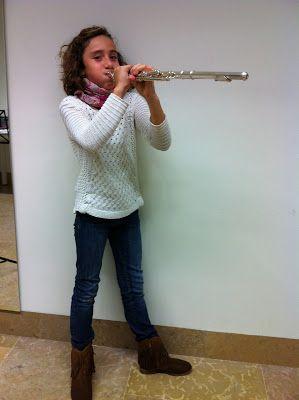 Flauta Travesera: Yo y mi Flauta Me llamo Paola, tengo 9 años, soy d...