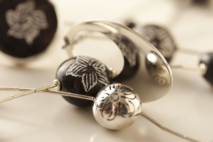 Joyas inspiradas en la artesanía de Quinchamalí. Diseño de Paulina del Fierro para Tienda Ají, Diseño Imprescindible. www.tiendaaji.cl