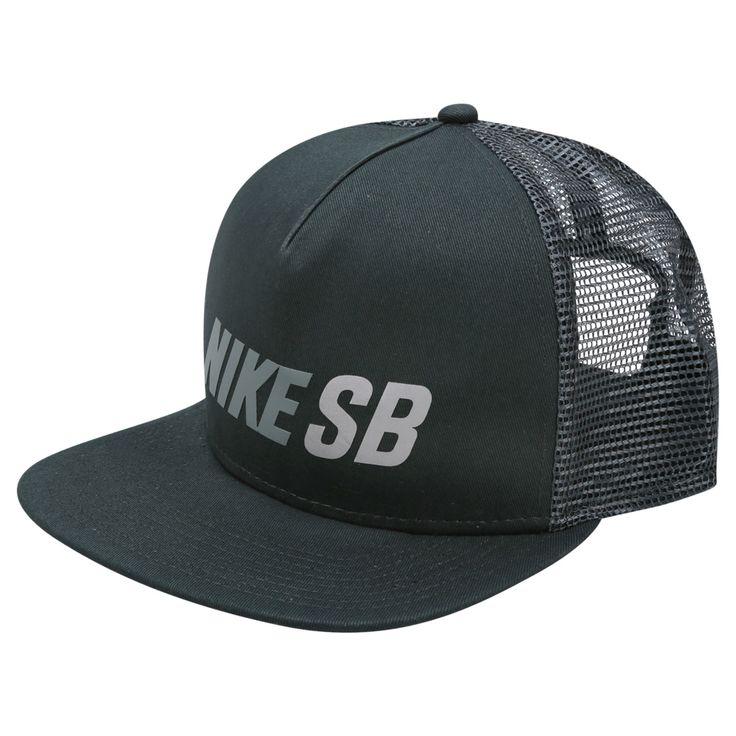 Reúna a galera para curtir e marque a sua presença com o Boné Nike SB Reflect Trucker Verde escuro. Estiloso, conta com logo refletivo, destacando a sua presença em locais escuros.   Netshoes