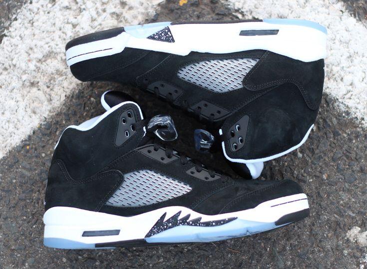 """Air Jordan 5 """"Oreo"""" - Arriving at Retailers - SneakerNews."""