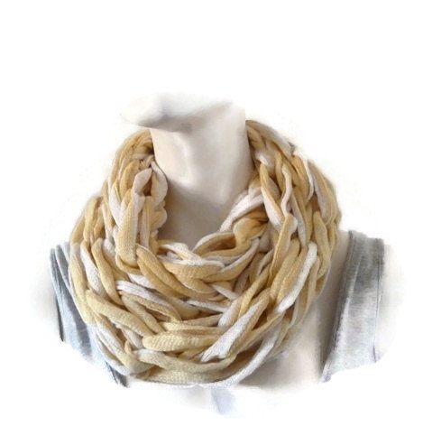 Best 25+ Circle scarf ideas on Pinterest | Infinity scarf ...