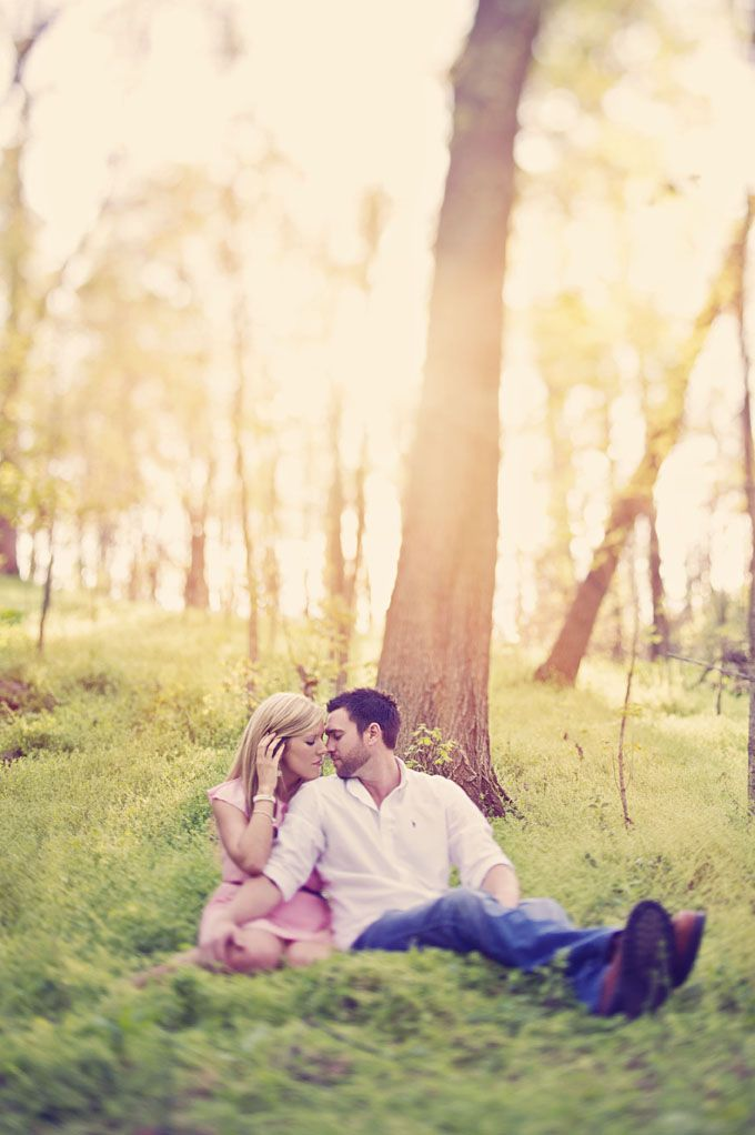 Photo Fridays | A Romantic Forest Engagement | Glamour & Grace