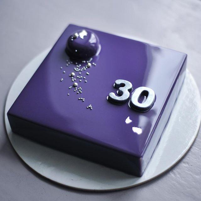 На мой взгляд, это идеальные 30! Я сегодня - сама скромность. / Perfect 30…