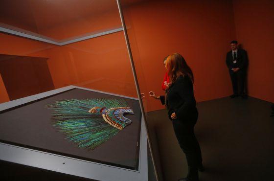El frágil penacho de Moctezuma | Museo de Etnologia de Viena, no debería estar en Viena, nos pertenece a los Mexicanos.