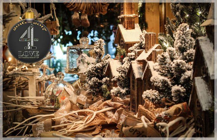 Χριστούγεννα 2016-2017 - #Χριστουγεννιάτικη #διακόσμηση - #ξύλινα_σπιτάκια με φωτισμό και φυσικά μικρά #έλατα με τεχνιτό #χιόνι, #γυάλες με χρωματιστά ξύλινα σπιτάκια#, λευκά #κλαδιά κ.α. #4LOVEgr -Concept Stylist Μάνθα Μάντζιου & Floral Artist Ντίνος Μαβίδης