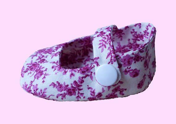 Chaussons bébé fille/ Sandalettes roses motif jouy bebe fille/