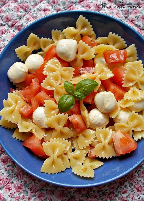 Pasta Fredda / / insalata di pasta fredda [pomodorini, mozzarella &  basilico]