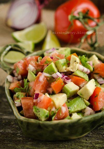 Salsa z pomidorów i awokado