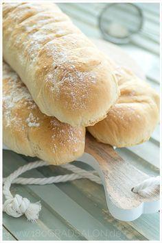 Das schnellste Rezept für ein frisches Baguette                                                                                                                                                                                 Mehr