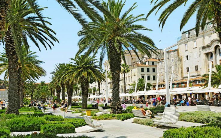 Split. Splitissä on sekä kulttuuria että historiaa, palatseja ja katedraaleja, ulkoilmakahviloita ja maailmanluokan shoppailua. www.apollomatkat.fi #Split #Kroatia