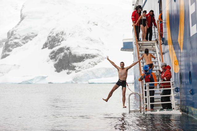 Saltando en el Océano Antártico: Sensaciones y postales desde la Antártida