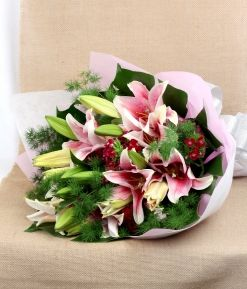 Lilies #floralgaragesg #decoration #parties #love #couple #weddingday #occasions #homedecor #lifestyle #lol #inspiration #roses #bookey #flowers #nature #happybirthday #birthday #prettiness #happyme #traveldiaries #Singapore #bouquets