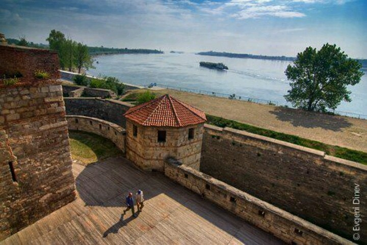 Baba Vida Towers, Vidin, BG - by Donau river